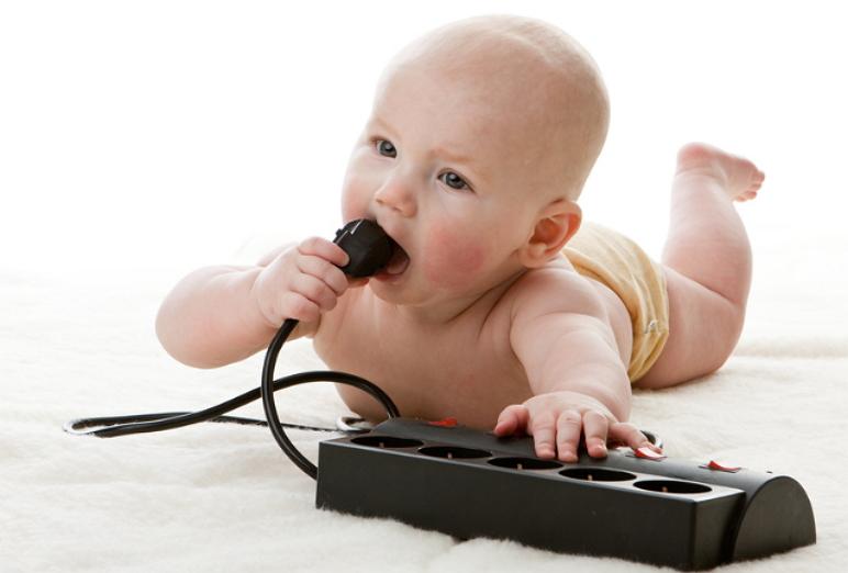 Comment protégeons-nous nos enfants de l'exposition à l'électricité?